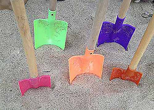 shovels_in_the_sand